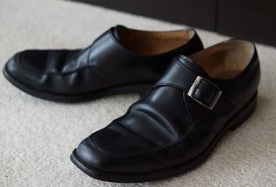 バイト用の黒い靴